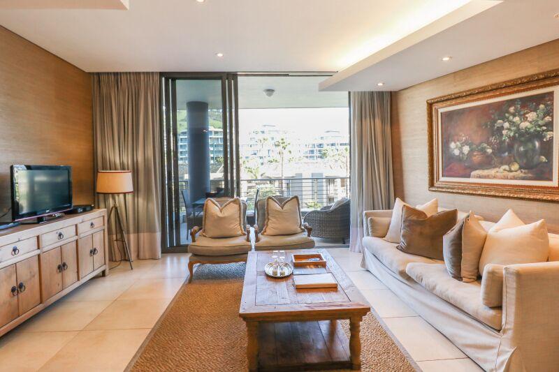 pembroke 205 living room