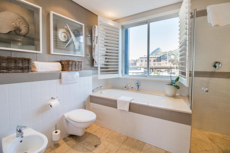 altmore 503 bathroom