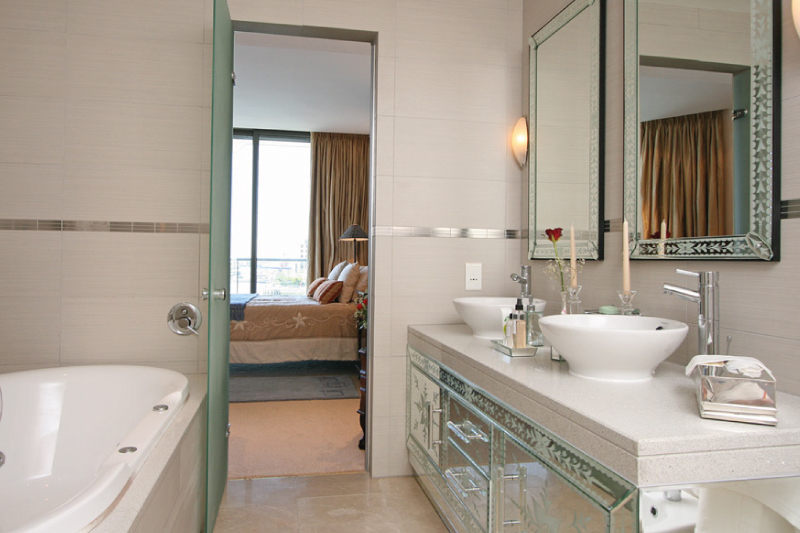 pembroke 302 bathroom