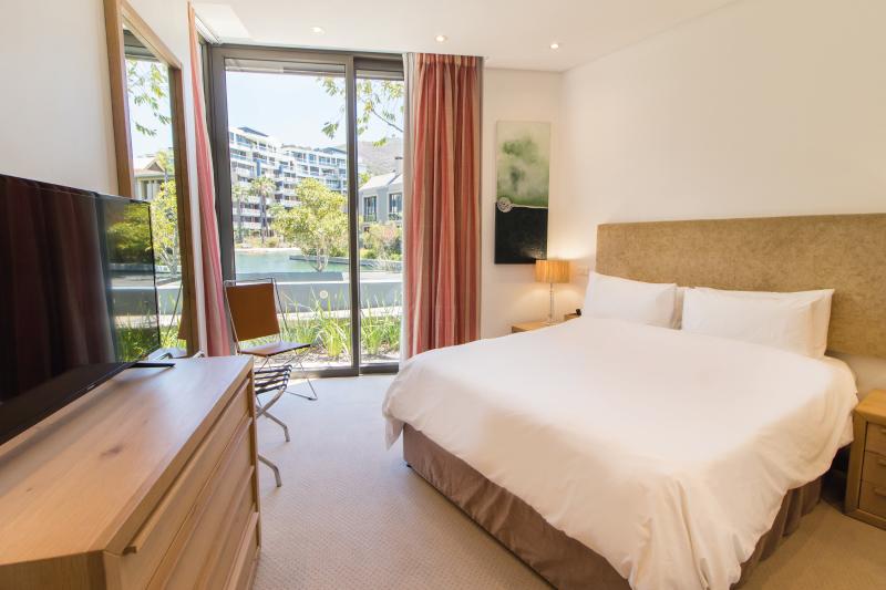 luxury two bedroom apartments