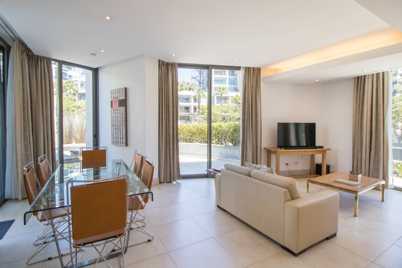 luxury two bedroom apartments dining