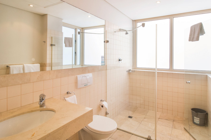 three bedroom apartment bathroom