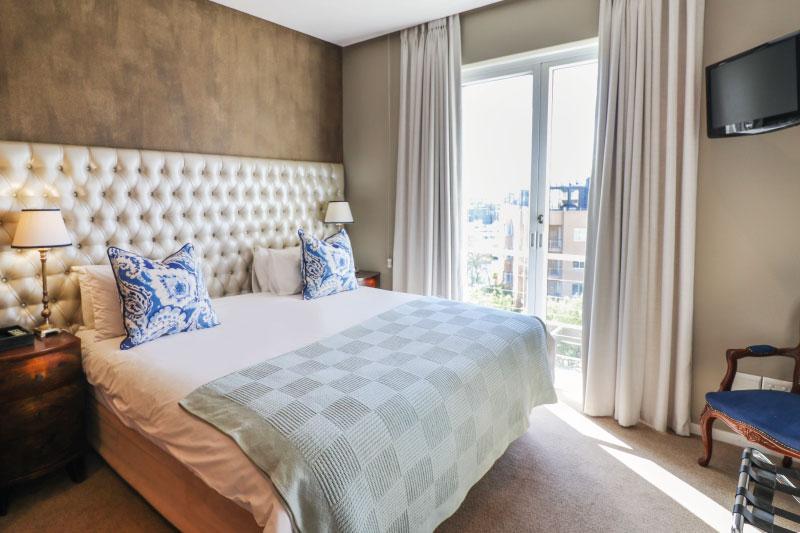 waterfront-village-luxury-2bed-bedroom-13